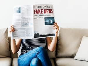 alone-casual-couch-fake-fake-news-indoors-1549569-pxhere.com